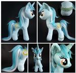 Lyra plush by @larsen_toys