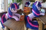 Lifesize Twilight Sparkle - Reading her book