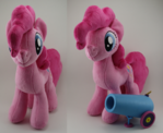 Pinkie Pie with working Party cannon