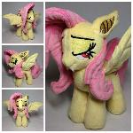 Plushie Flutterbat with bedroom eyes