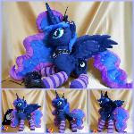 Princess Luna gamer