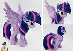 For sale: Princess Twilight sparkle poseable wings
