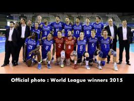 Rémi Gaillard pranks World Champion Volleyball team (official picture)