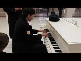 MLP:FiM - Piano medley in shopping mall (by Timofey Davydov)
