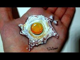 Cool Illusion Art - Egg on Hand