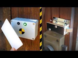Fabrication d'une serrure Arduino à badge RFID ! - Vlog Bricolage #19