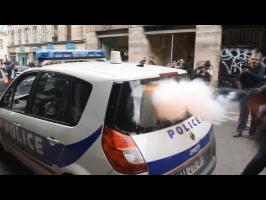 [Classe Télé] Voiture de police incendiée : deux vidéos, deux versions des faits