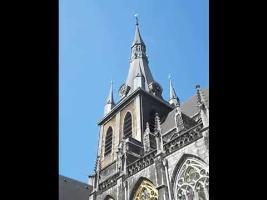 La marche impériale jouée au carillon de la cathédrale de Liège