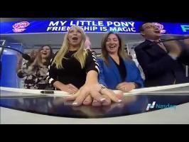 MLP: FiM Season 7~Discovery Family,Hasbro& Tara Strong Ringing NASDAQ Opening Bell (My Little Pony)