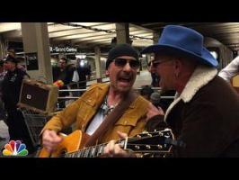U2 joue incognito dans le métro de New York