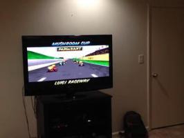 Jouer à Mario Kart avec ses amis musiciens